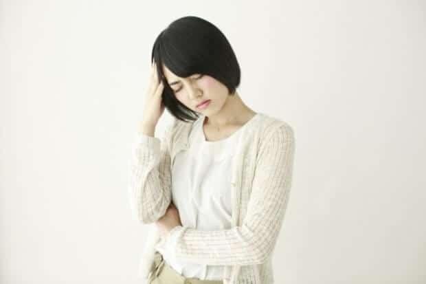 頭痛の女性5