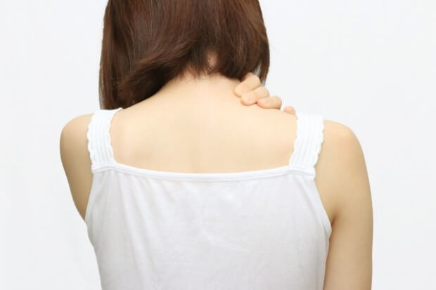肩こりの女性7