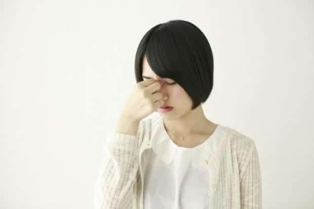 頭痛の女性2